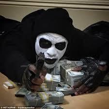 Trò hề trên bảng điện mà kẻ gian dùng để 'cướp' tiền nhà đầu tư